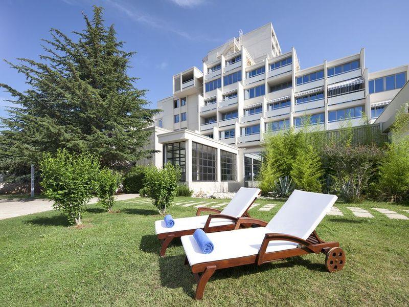 csm_Photos_Porec_Valamar-Diamant-Hotel-and-Residence_Valamar-Diamant-Hotel_Valamar-Diamant-Hotel-Exterior_1447686be3.jpg