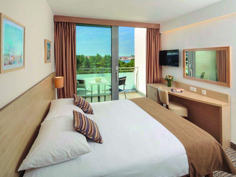 Photos_Porec_Valamar_Zagreb_Hotel_3_Valamar_Zagreb_Hotel_Room.jpg